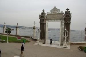 Dolmabahce palaca gate